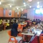Usai Grand Opening, Cafe & Resto Kane Fried Chicken Banjarmasin Dibanjiri Pelanggan