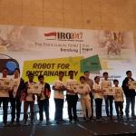 Robotics Boyong 13 Piala Indonesian Robotic Olympiad 2017