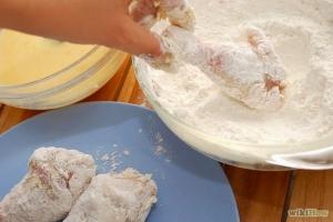 Ayam Goreng Berbalut Tepung Jadi Idola
