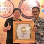 DAILY FRESH WATER Sabet Penghargaan Rising Business Award 2017