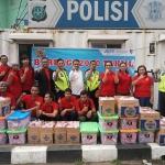 Kerjasama Dengan Komunitas Pemuda Depok, Tahu Jeletot Taisi Bagikan 2000 Takjil
