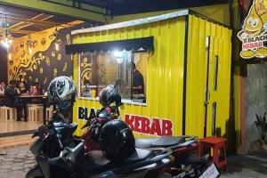 Sukses Jadi Waralaba Padat Karya, Black Kebab Hadirkan Konsep Cafe
