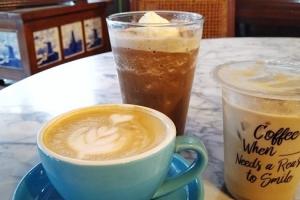 Musim Hujan, Enaknya Bisnis Minuman Dingin atau Hot?